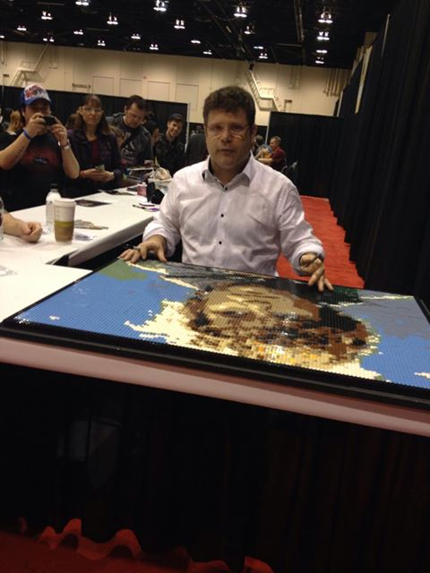Sean Astin signs Lgo Mosaic