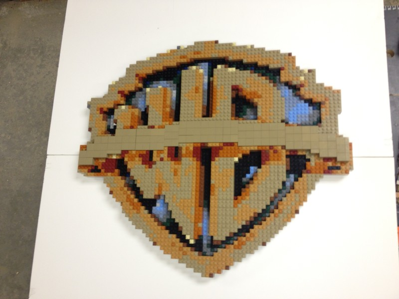 WB_LOGO_in_LEGO_by_BRICKWARES